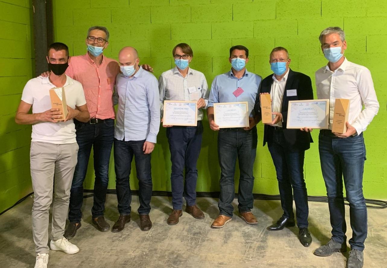 Photo du collectif de PME, dont Glen Desmousseaux, dirigeant d'AMZAIR Industrie