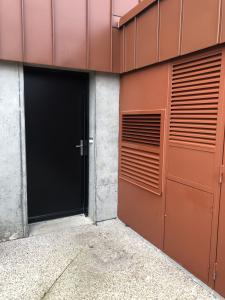 Le concept 100% intérieur inventé par AMZAIR révolutionne par sa discrétion exceptionnelle les solutions aérothermiques en construction neuve ou en rénovation énergétique.
